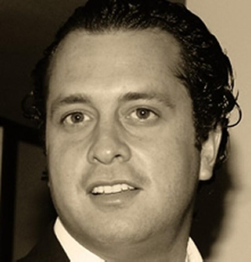 El hijo del ex Presidente de México tuvo un accidente ayer por la noche, iba con dos acompañantes. Todos se encuentran fuera de peligro.