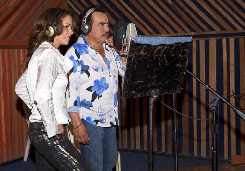 La actriz realizó la presentación oficial de la telenovela que se comenzará a transmitir el próximo lunes, luego de que Corazón salvaje llegará este viernes a su fin.