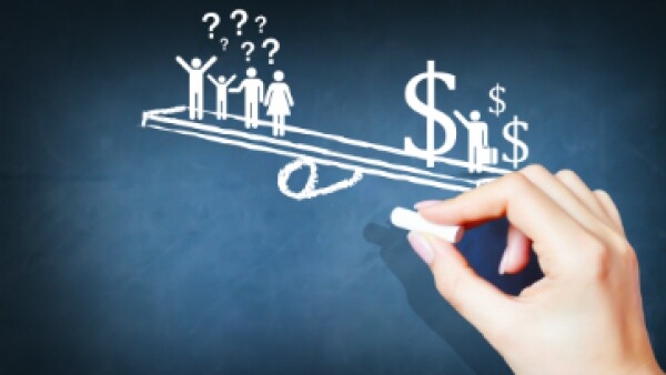 Investigadores tienen claro que aumentar impuestos a los ricos ayudaría a pagar programas gubernamentales, pero no a diminuir la desigualdad. (Foto: Shutterstock)