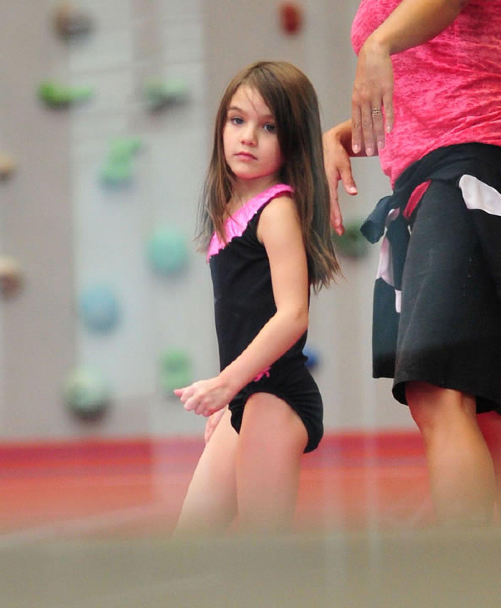 La pequeña es fanática de sus clases de gimnasia.