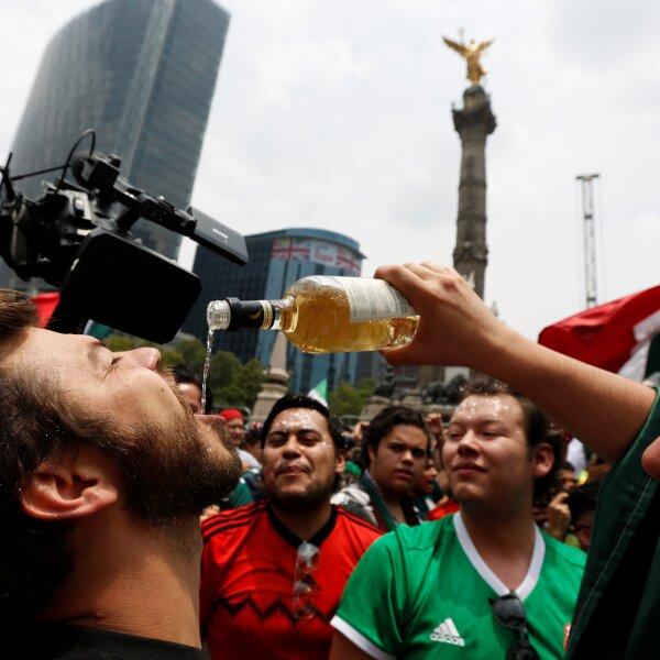 Ángel, Fiesta y tequila.