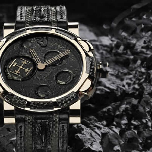 Romain Jerome crea esta obra de arte que contiene polvo lunar y fragmentos fundidos del Apollo 11
