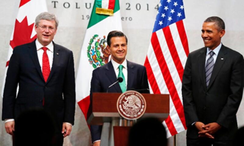Stephen Harper, Enrique Peña Nieto y Barack Obama celebran el 20 aniversario del Tratado de Libre Comercio de América del Norte. (Foto: Reuters)