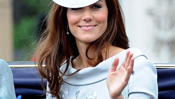 Un estimado apuntó la suma a la que asciende el guardarropa de la duquesa en lo que va del año, cuestión que suscitó la pregunta, ¿quién paga su ropa?