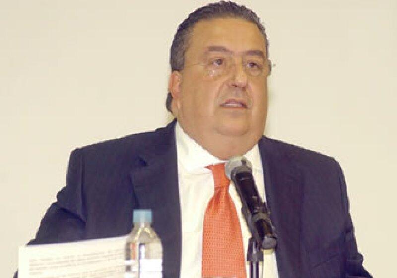 Gómez Mont se reunión con dirigentes del SME en Gobernación.  (Foto: Notimex)