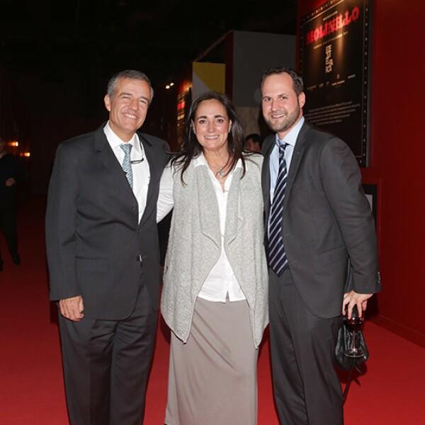 Jorge y Mercedes Berberá con Alejandro Ortiz