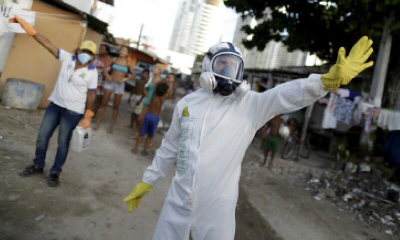 Brasil calcula que hubo entre 490,000 y 1.5 millones de infecciones por virus zika en todo el país. (Foto: Reuters)