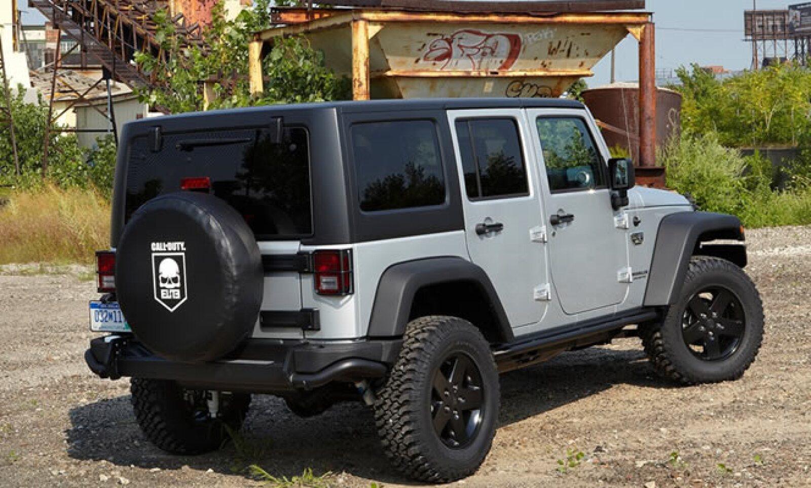 El vehículo estará disponible en color negro y plata brillante, y en el exterior tendrá el logotipo de MW3.