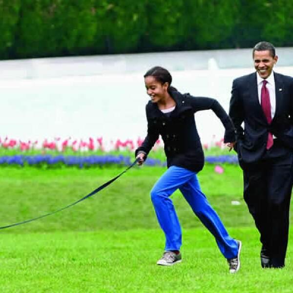 Obama no quiere que sus hijas pierdan sus raíces o su sencillez. Para él, su mejor legado como político y como padre sería dejarles un mundo mejor.