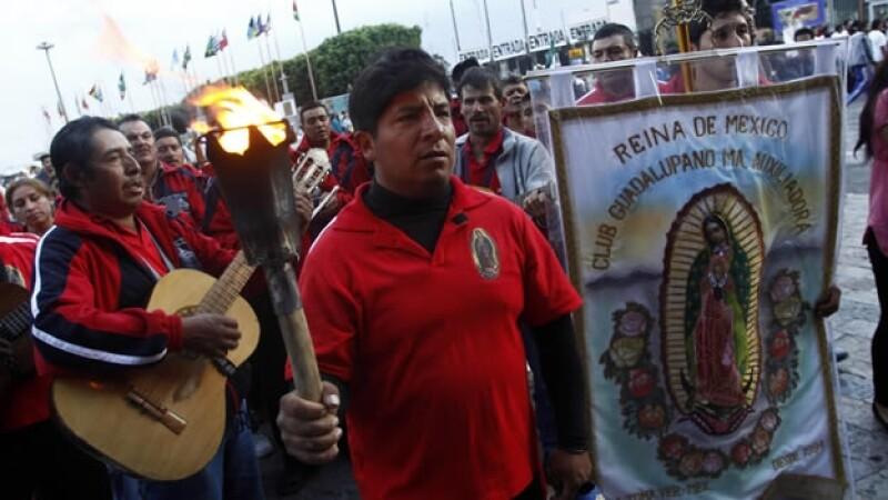 Peregrinos celebran a la Virgen de Guadalupe