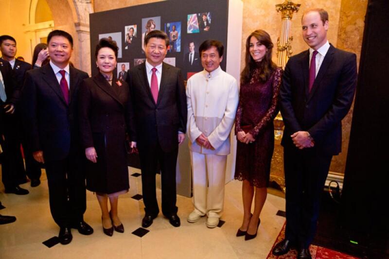 Durante el segundo día de la visita de estado del presidente Xi Jiping y su esposa a Gran Bretaña, la estrella de Kung-Fu se les unió para conocer a los Duques de Cambridge.