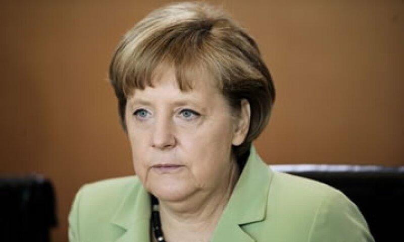 La canciller germana dijo tener voluntad política para mantener estable a la eurozona. (Foto: Reuters)