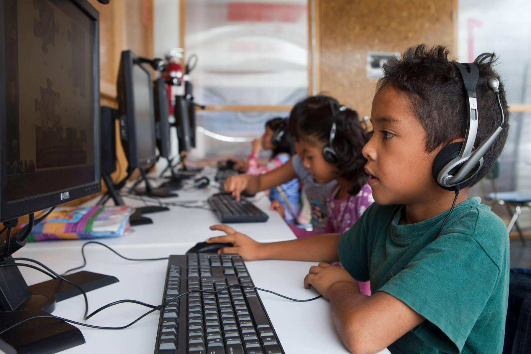 Enova ha atendido a más de 200 mil niños desde 2009, año en que inició operaciones.