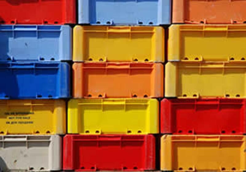 Cajas de plástico, cintas adhesivas, autopartes y componentes para el ensamble de aparatos electrónicos son los productos que más se importan. (Foto:SXC)