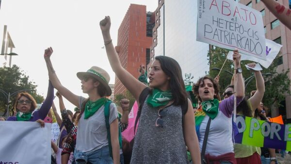 Miles de mujeres marcharán este domingo para exigir un alto a la violencia de género.