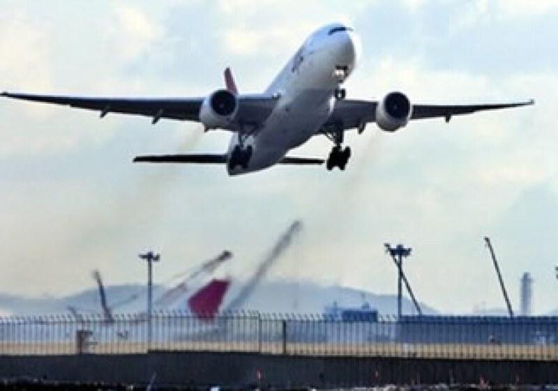 Japan Airlines enfrenta 16,000 millones de dólares en deudas. (Foto: Reuters)