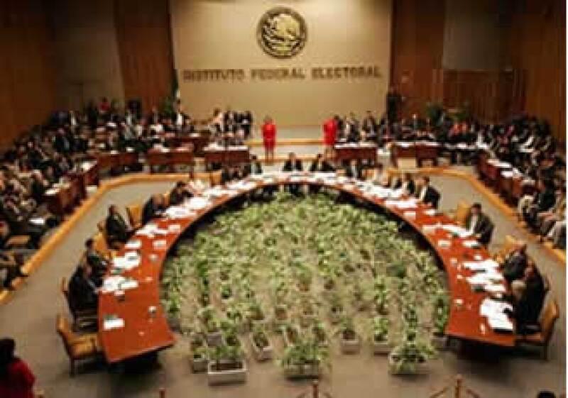 El IFE entrará al recorte solicitado por la Secretaría de Hacienda con 104 mdp (Foto: AP)