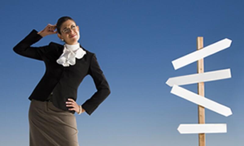 Un empleado puede ir de un empleo a otro por no tener claros sus objetivos profesionales. (Foto: Getty Images)