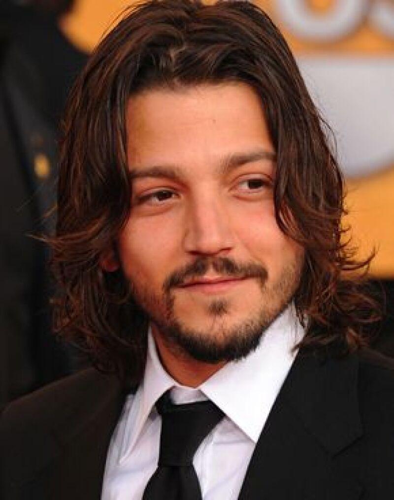 El actor aseguró que para ser un funcionario público `se necesita estudiar, aunque no lo hagan todos´, además descartó la posibilidad de vivir en México a causa de la violencia.