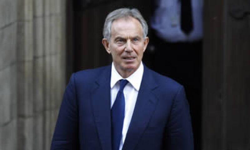 Blair dijo que salvaguardar el euro significa tratar las deudas de uno como las deudas de todos. (Foto: AP)