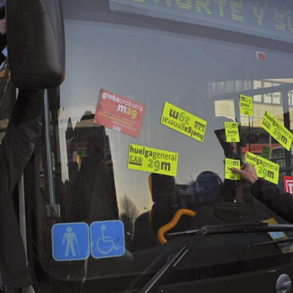 Debido a las protestas, se ofrecen servicios mínimos en el metro, trenes y transporte aéreo de España.