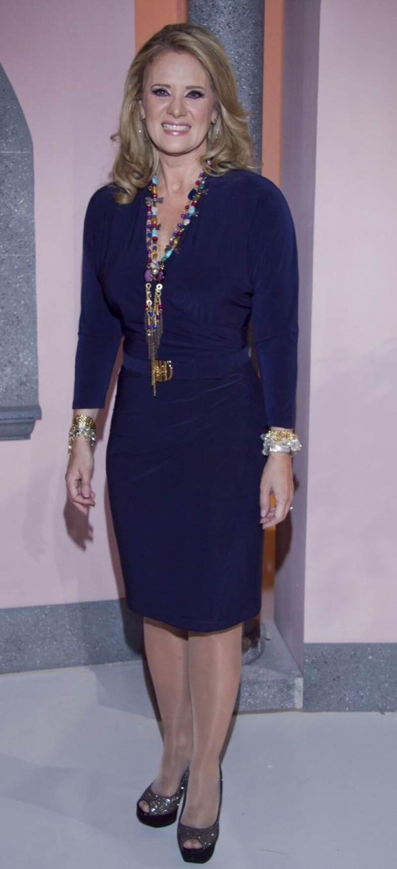 Erika Buenfil perdió seis kilos para su personaje de Victoria Balvanera en la telenovela `Amores Verdaderos´.