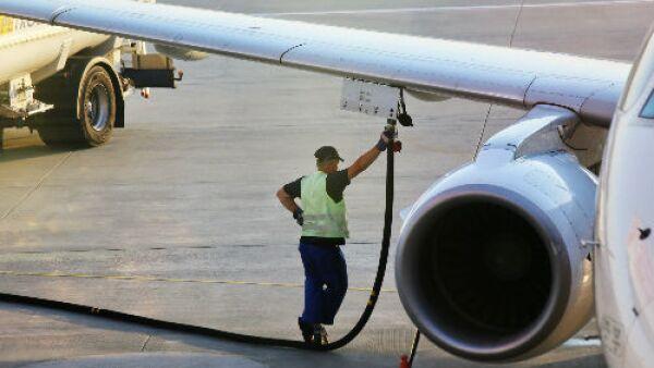 carga de combustible avi�n