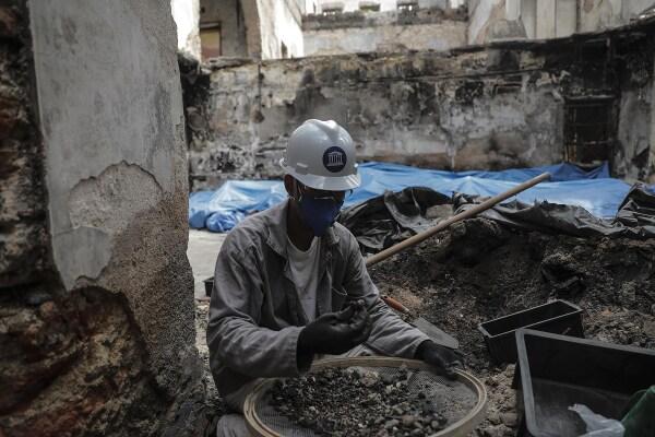 Obras de reconstrucción del Museo Nacional de Río de Janeiro tras cinco meses de voraz incendio