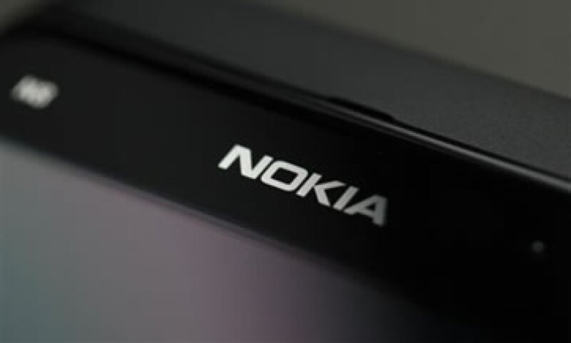 La firma indicó que los resultados de ventas de sus nuevos teléfonos Lumia han sido mixtos. (Foto: Reuters)