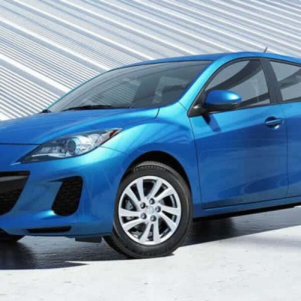 El motor del vehículo le permite generar 154 caballos de fuerza y tiene un rendimiento de 40 millas por galón de gasolina.