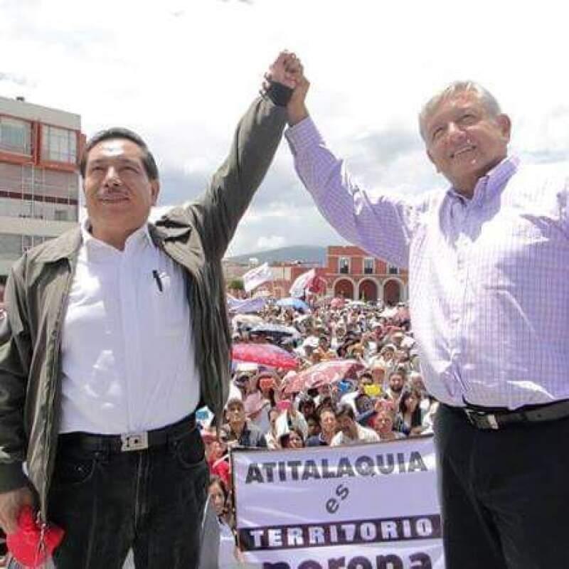 El candidato de Morena a gobernador de Hidalgo, Salvador Torres Cisneros, cuenta con el respaldo del presidente del partido, Andrés Manuel López Obrador, como uno de sus activos políticos en campaña.
