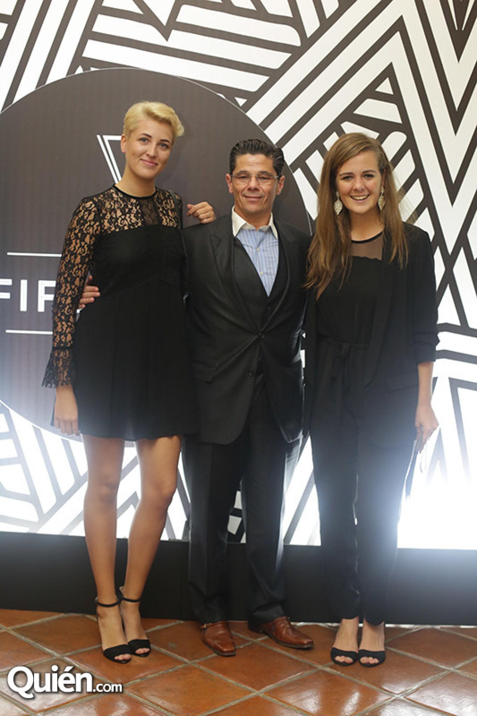 Camilia Medina,Gonzalo Guelman y Tatiana Emberson