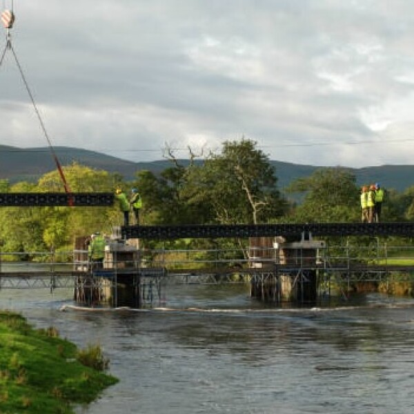 puente plastico reciclado