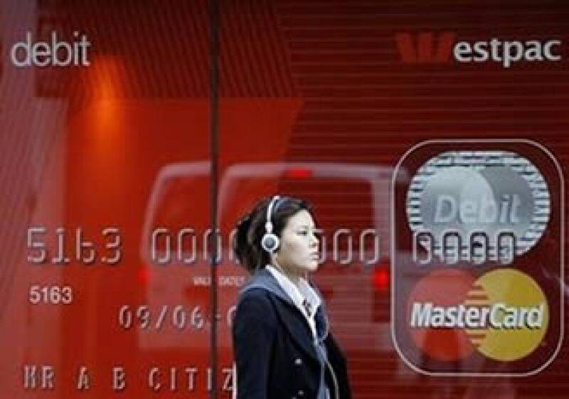 Mastercard aumentó en 1.2% su número de tarjetas en el mundo. (Foto: Reuters)