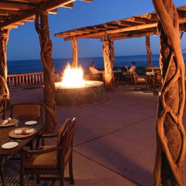 El resort fue inaugurado en febrero de 2002, bajo la mano de los arquitectos Backen/Gillam y Mario Maldonado, de GV Arquitectos.