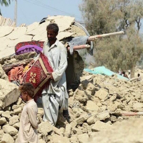 sobrevivientes del sismo en pakistan