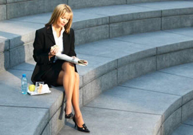 Si ofreces apoyo de alimentos a tus empleados, recuerda deducirlo de los impuestos.  (Foto: Photos To Go)
