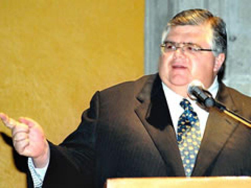 Agustín Carstens, secretario de Hacienda, dijo que el gobierno pedirá préstamos al BID y al BM. (Foto: Archivo)