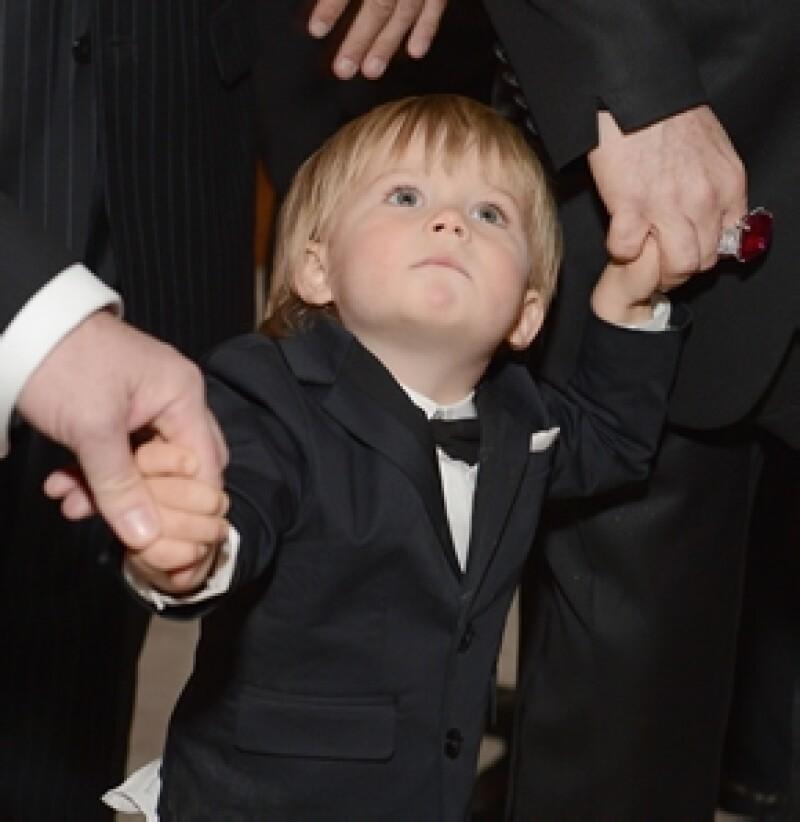 La fiesta, de la cual la estrella del pop británico es anfitrión, se llenó de famosos, quienes saludaron al pequeño de dos años. Entérate de los mejores momentos de la celebración.