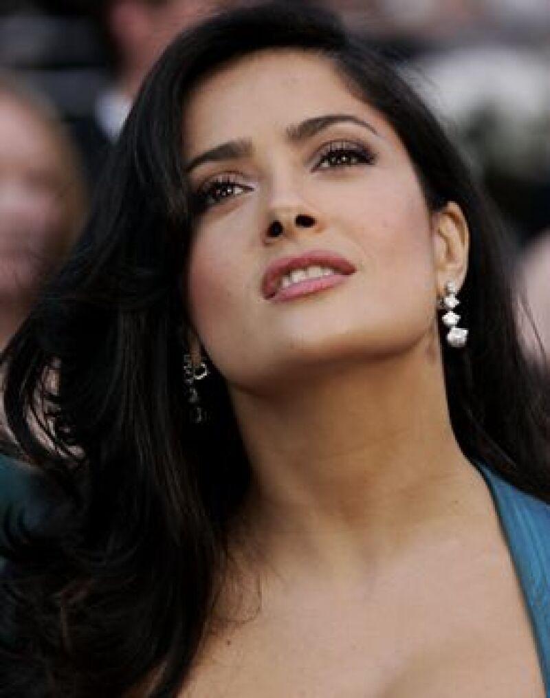 Fue catalogada como una de las 10 celebridades con los labios más sensuales de Hollywood.
