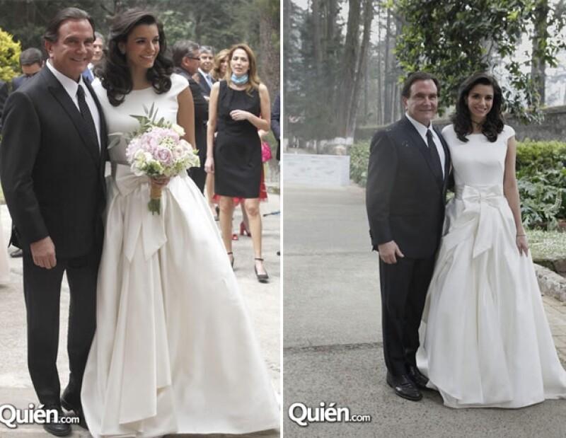 Óscar Mario Beteta se casó con Zyanya Barceló.