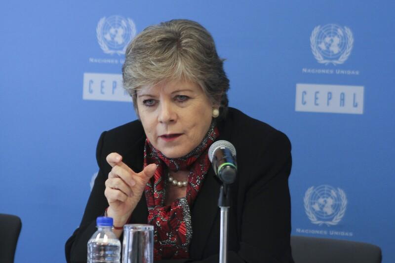 Ella es Alicia Bárcena, la mujer que AMLO quiere en la ONU