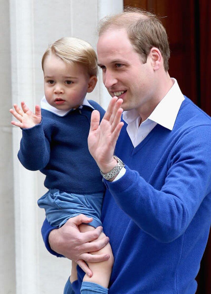El 2 de mayo nació Charlotte Elizabeth Diana, princesa de Cambridge. Aquí su hermano mayor, el príncipe George, y su papá, el príncipe William, a su llegada al hospital para conocerla.