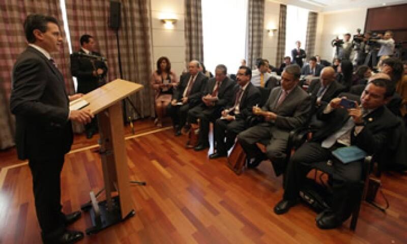 El presidente electo de México, Enrique Peña Nieto se reunió con líderes empresariales del Deutsche Banck y la Latin American Vereint. (Foto: Notimex)