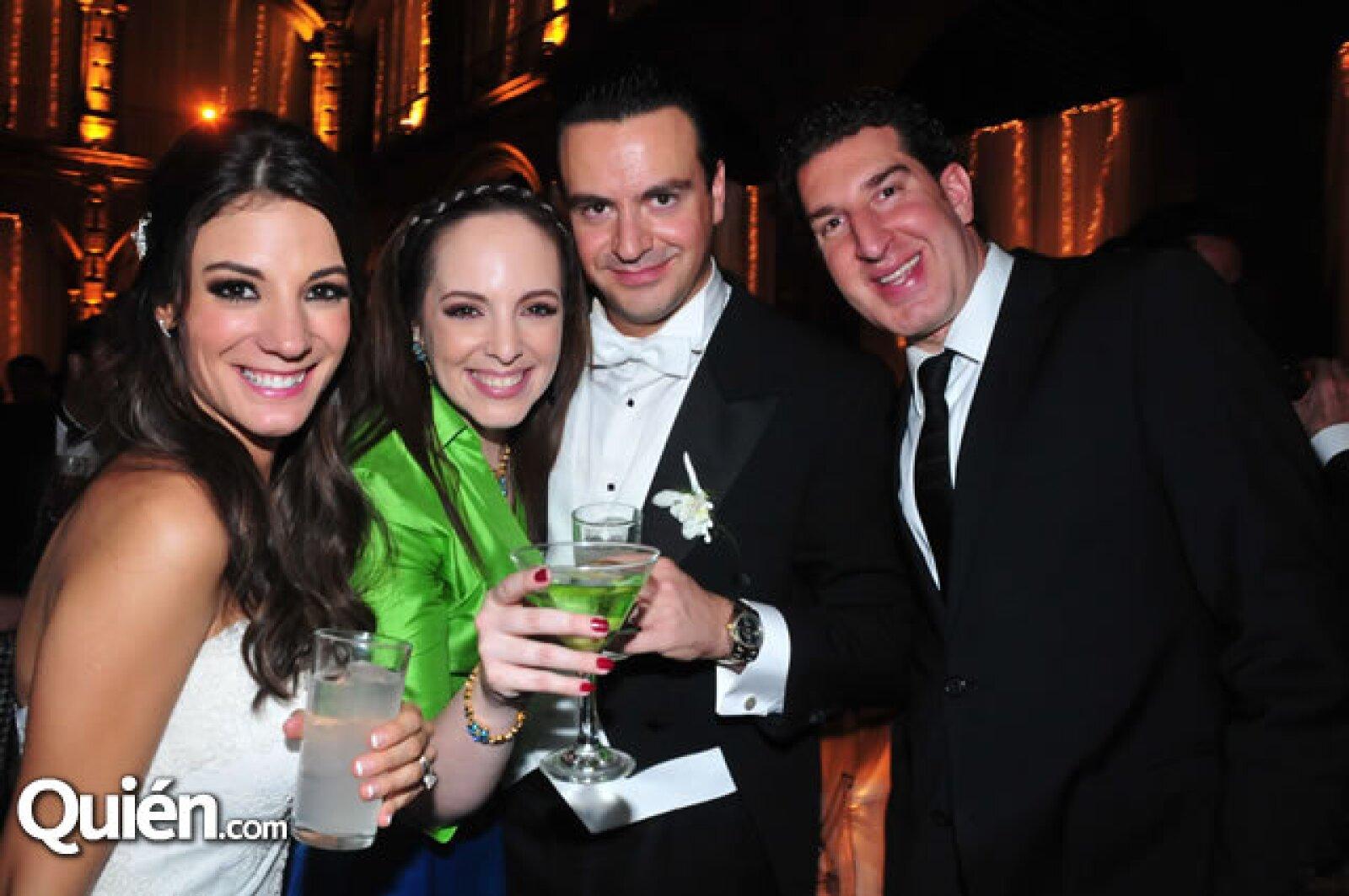 Marcela García,Erika Swain,Mauricio Vega,Simón Atri