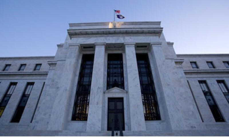 El diario Wall Street Journal publicó que la Fed estaba pidiendo más información sobre si los bancos europeos tenían un acceso confiable a los fondos necesarios para operar en EU. (Foto: AP)