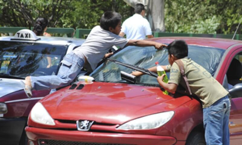 La falta de acceso a la educación y a oportunidades de trabajo contribuye a la brecha salarial en México. (Foto: Cuartoscuro)