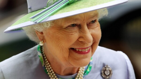Casi inmediatamente después de la boda real, diversos medios anticipaban la llegada del tercero en la línea de sucesión al trono británico pero fue hasta este lunes que la noticia se hizo realidad.