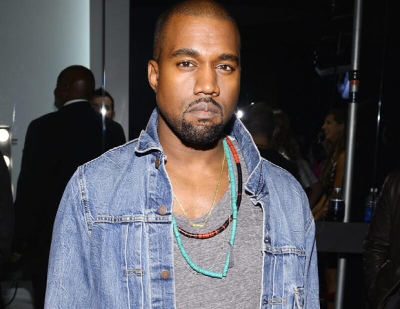 El rapero fue acusado legalmente por un fotógrafo con el que riñó en julio pasado cuando salía del Aeropuerto Internacional de los Ángeles.