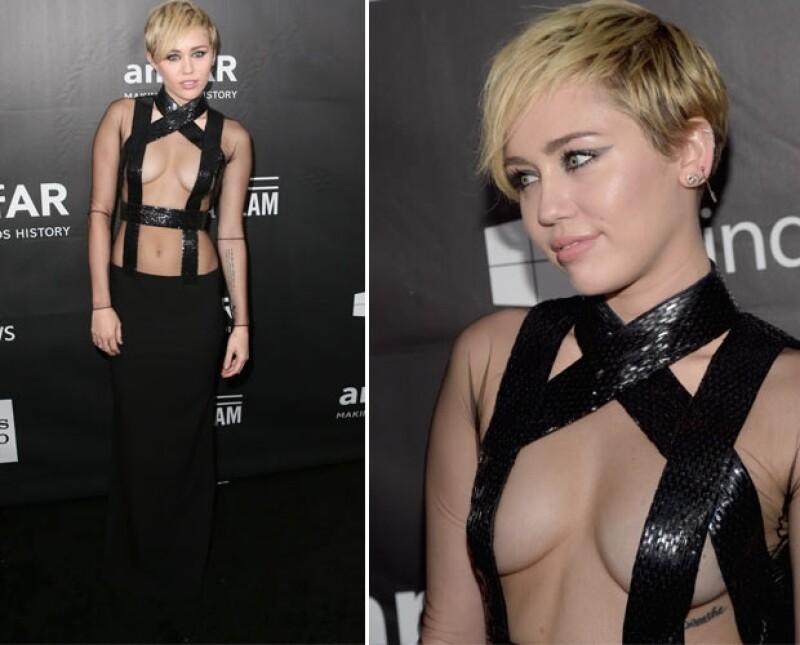 Miley impresionó a todos con este arriesgado diseño.